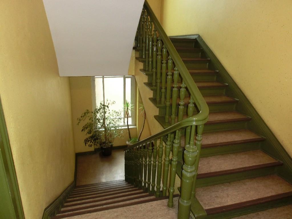 treppenhaus altbau altbau treppenhaus treppenhausgestaltung und treppen gestaltung treppenhaus. Black Bedroom Furniture Sets. Home Design Ideas